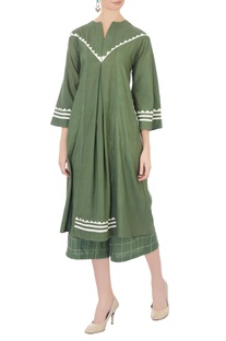 Green linen naturally dyed culottes