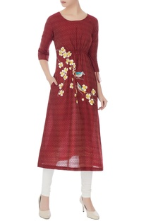 Burgundy kurta with floral resham embroidery
