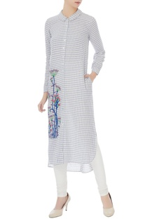 Blue & white floral resham embroidered kurta