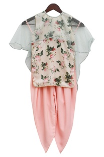 Peach printed kurta with dhoti & cape