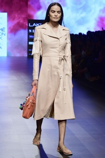 Beige twill fringes trench coat