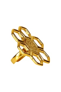 Gold plated floral motif ring