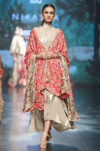 Grey crepe printed asymmetric dress with red cape