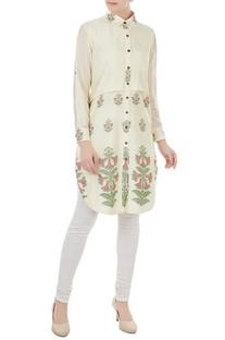 Off white silk jamdani floral weave tunic by SAYANTAN SARKAR