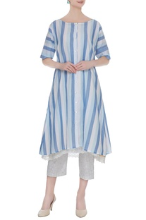 Blue striped kurta with sleeveless tie-dyed kurta set