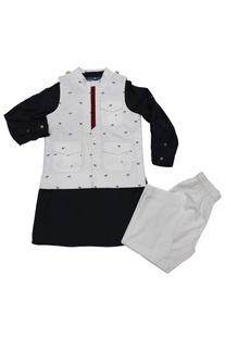 White & navy bue horse print bandi with kurta & pyjama