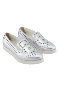 Silver synthetic eyelet shoes
