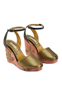 Gold & pink synthetic embroidered wedges
