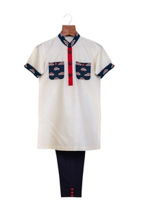 Off white & navy blue cotton silk printed pockets & collar kurta with pants