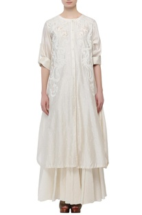 Ivory cotton silk thread patch work kurta with inner