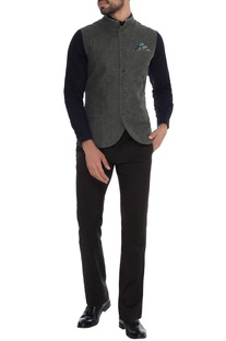 Charcoal grey linen jacket with printed collar