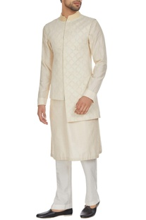 Ivory chanderi textured high-low bandhi jacket