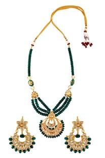 Kundan tiered necklace with chandbali earrings