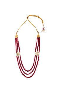 Tiered style necklace with nose-ring