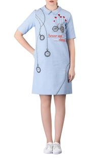Embroidered shift dress with zippered back