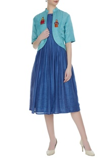 Blue tusser linen pleated dress with short jacket