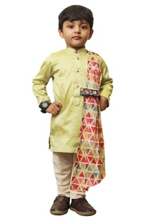 Triangle drape kurta set.