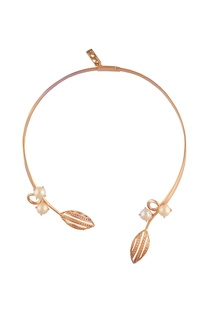 Open-style pearl choker necklace