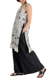 Ivory & black embroidered & fringe detail kurta with pants