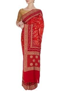 Handwoven saree in floral bandhani work & unstitched blouse