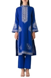 Blue linen embroidered straght fit kurta set.