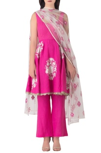 Pink linen anarkali kurta with embroidered tulle dupatta.