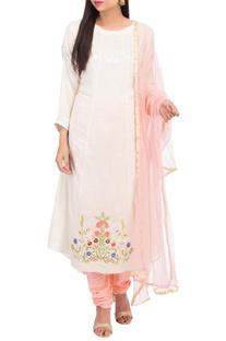 Floral embroidered kurta set