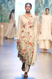 Pearl white embroidered kurti with pants