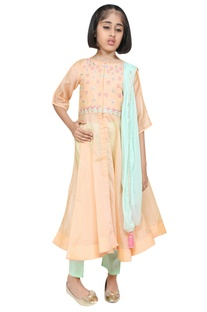 Bell sleeves embroidered kurta with pants and dupatta