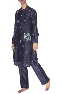 Hand embroidered double layered tunic with inner shirt