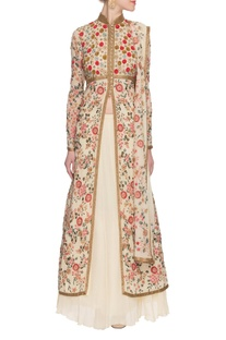 Ivory embroidered & embellished kurta set