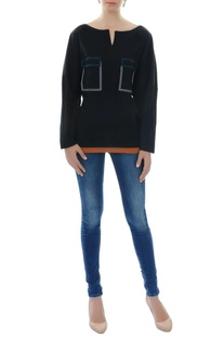 Black top with patch pockets