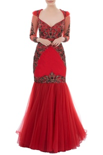 Red fit & flared gown with sweetheart neckline