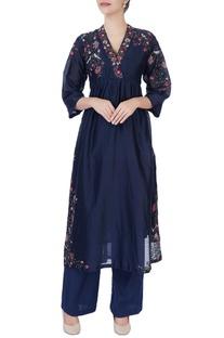 Blue floral embroidered kurta & pants