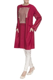 Maroon embroidered long kurta