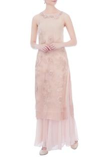 Pale pink embroidered sleeveless kurta