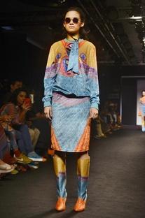 Multicolor printed motif sweatshirt