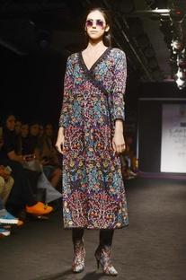 Black & multicolored floral motif printed tunic