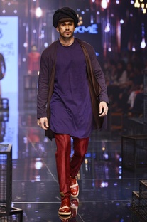 Blue wrap around kurta & maroon churidar