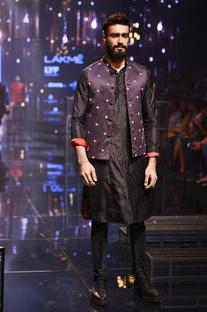 Black kurta & churidar with purple bandi