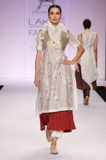 White & maroon embroidered kurta with palazzo