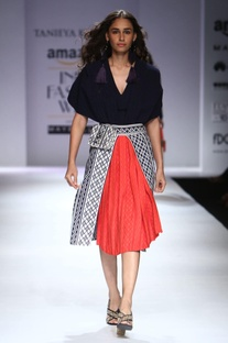 Red, navy blue & fit layered & textured A-line skirt