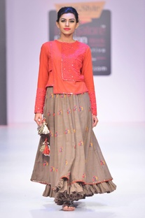 Grey floral thread embroidered skirt