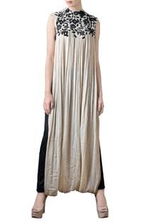 Off-white crinkled & crinkled maxi dress