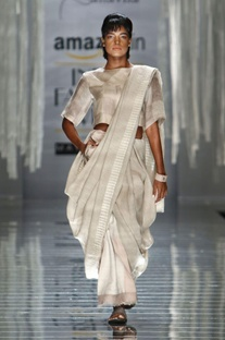 Ivory handwoven sari with print detail on the drape