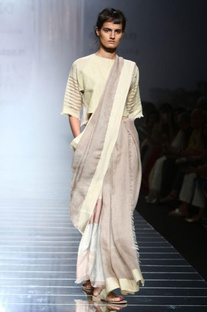 Grey handwoven sari with cream border