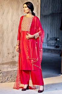 Red embellished kurta set with dupatta