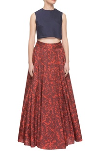 Maroon floral print skirt & navy blue crop top