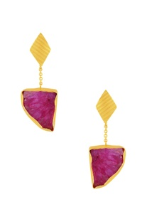 Gold plated earrings with hot pink agate stone