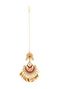 Gold plated chaandtika with semi-precious stones & pearls